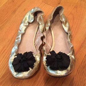 Gap Gold Flats (Size: 9)✨